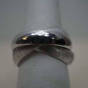 Jewelry - Sterling Silver (.925) 3 Band Interlaced Ring
